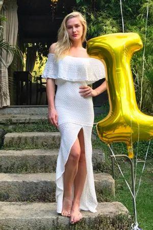 Vestido Tricô Fenda Babados Branco