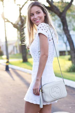 Vestido-croche-bordado-flor-branco-luisa-accorsi