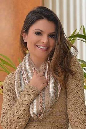 Sophia-Alckimin-Gola-Tricot-Rendada-Areia