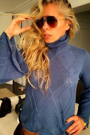 adriane-galisteu-Blusa-Tricot-Flare-Azul