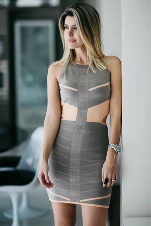 carol-tognon-Vestido-Bandagem-Recortes-Pessego