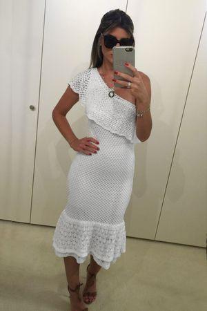 maria-rudge-Vestido-Tricot-Ombro-So-Babados-Branco
