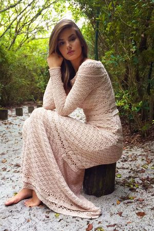 Camila-queiroz-vestido-lana2