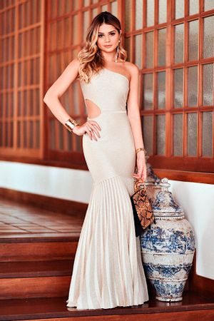 Vestido-Lurex-Plissado-Fenda-Dourado-thassia-naves