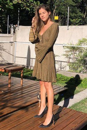 Vestido-Tricot-Plissado-Madri-Dourado-shantal-verdelho
