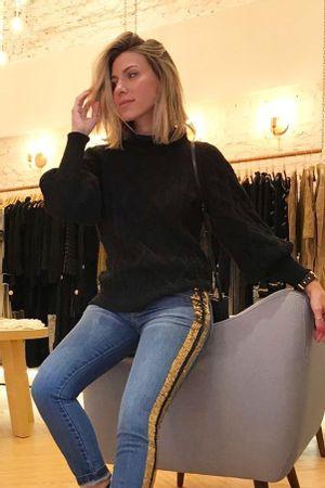 nati-vozza-blusa-tricot-comfort-preta
