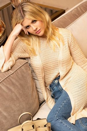 lala-rudge-cropped-tricot-helo-nude