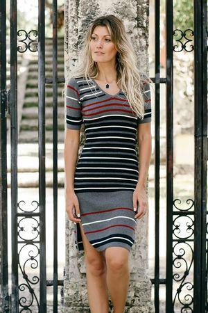 sabrina-spitti-Vestido-Stripes-Cinza
