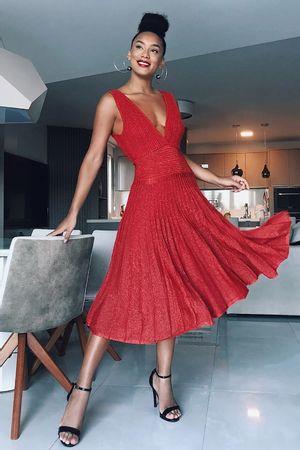 Raissa-Santana-vestido-tricot-acquamarine-vermelho