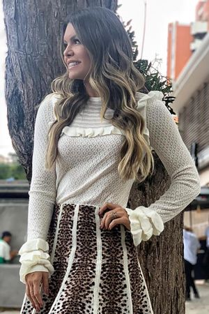 julia-sampaio-blusa-tricot--babados-off-white