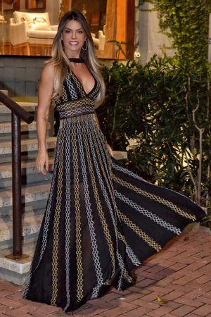 julia-sampaio-vestido-tricot-julia-preto