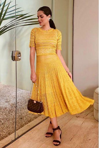 vestido-tricot-madelina-amarelo-look-mariah-bernardes