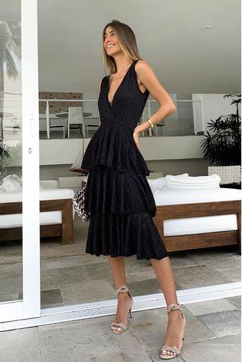 vestido-tricot-celine-babados-preto-look-chris-bittar