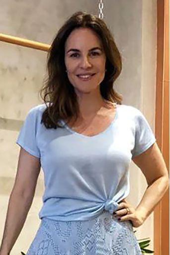 t-shirt-basica-azul-chris-francini