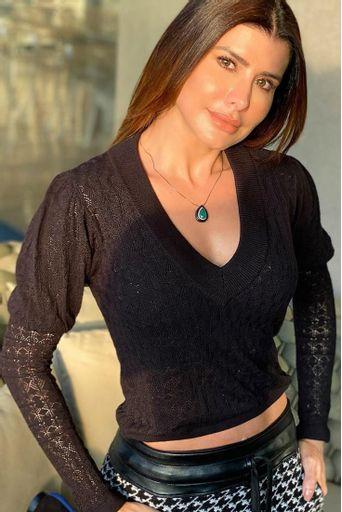 blusa-tricot-analise-preta