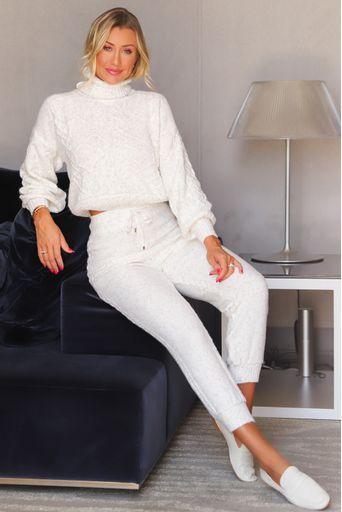 Ana-Paula-Siebert-Calca-Tricot-Gladys-Off-White-Principal