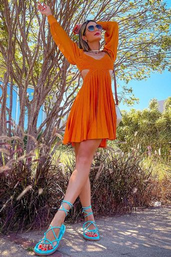 Thassia-Naves---Vestido-Tricot-Milena-Mango-Costas